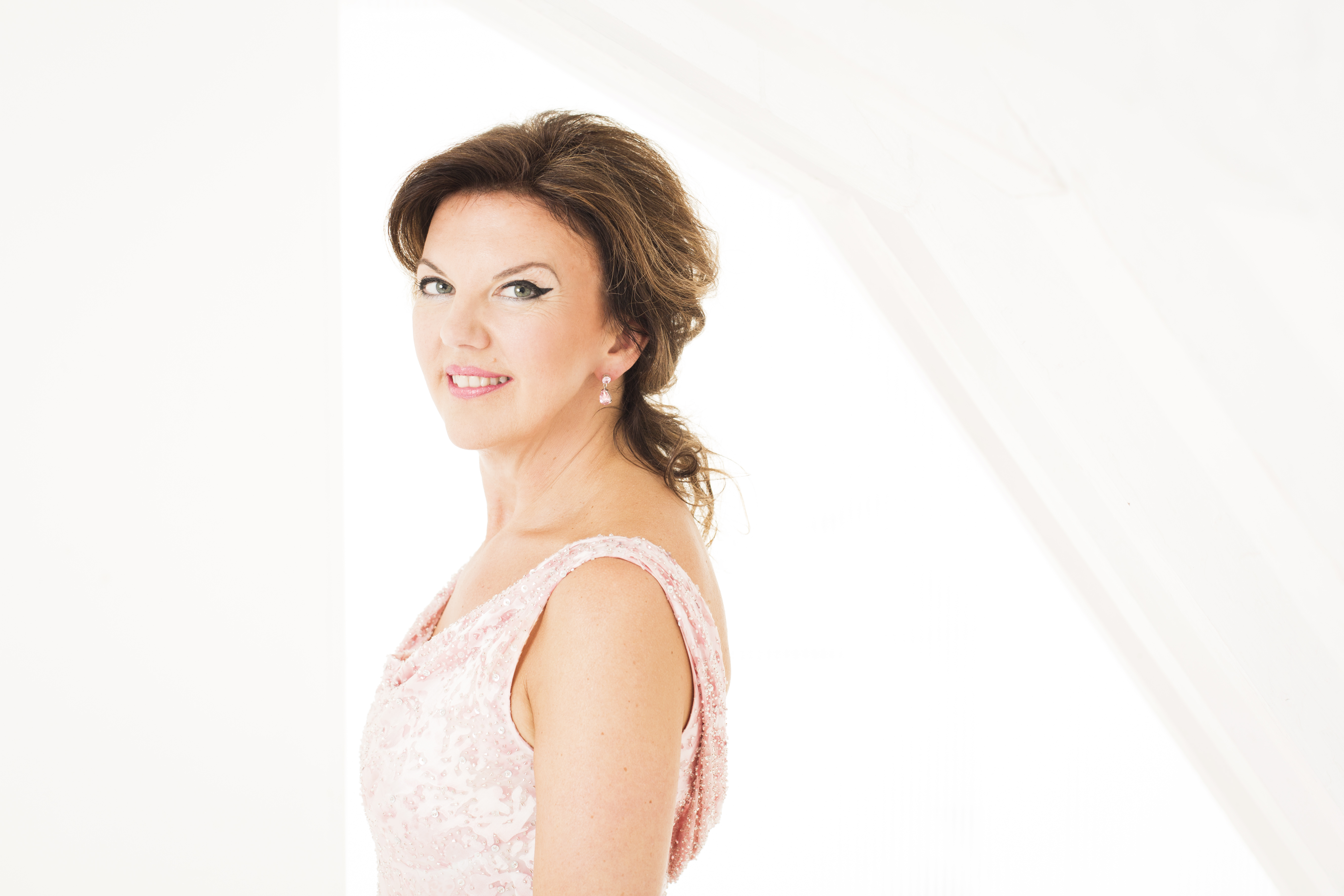 Tasmin Little Photo Credit: B. Ealovega